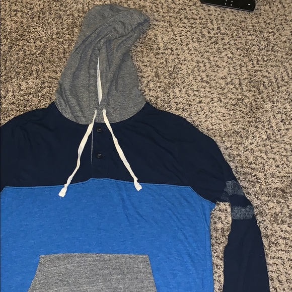 American Eagle Outfitters Men's LS Tee Size M